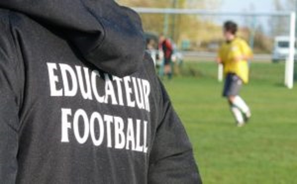"""Résultat de recherche d'images pour """"éducateur football dessin"""""""